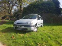 Renault clio 1.2 mot till jan 19 07926837477 cheap to insure ,tax,run ideal first car