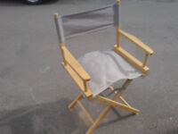 FOLDING HARDWOOD AND CANVAS DIRECTORS CHAIR