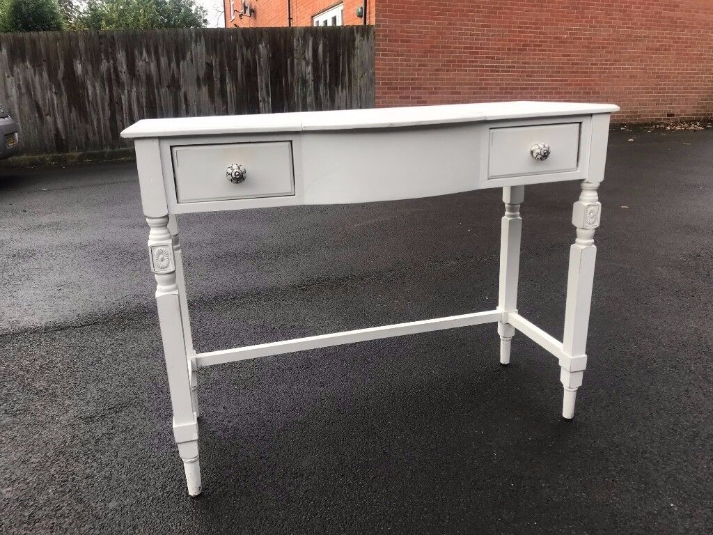 White refurbished Dressing table - Good condition 42in W x 32.5in H x 17.5in D