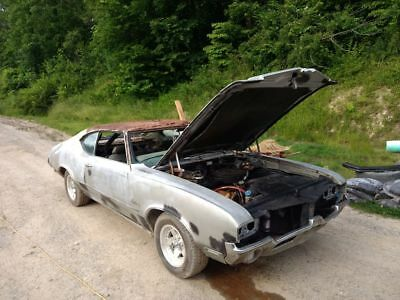 1972 Oldsmobile Cutlass  1972 Oldsmobile Cutlass S