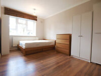 A large 3 double bedroom flat set on the ground floor of an EX LA block in the heart of FinsburyPark
