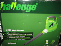 BRAND NEW LEAFBLOWER IN BOX VERY POWERFUL