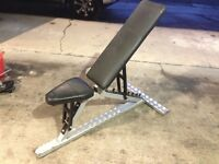 Heavy duty adjustable weight bench