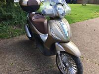 PIAGGIO Beverly 300cc 2012 not Vespa liberty spare or repair priced to sell today 900 no offer!!!!