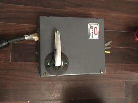 Mem 20 amp isolator