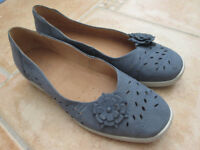 HOTTER MEXICO SHOES, SIZE 5.5 STANDARD