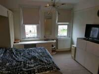Double room to let-Enfield centre