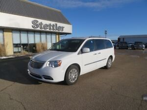 2016 Chrysler Town & Country TOURING LEATHER! DUAL DVD! SUNROOF!
