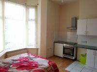 1 Studio FLAT (close to town centre)
