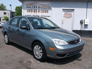 2005 Ford Focus ZX4 S ***52 000KM SEULEMENT***