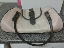 brand new condition , barbour lady hand bag ,