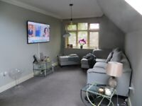 Large, two-bedroom flat with resident parking. Purley Oaks/Sanderstead area.