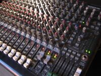 mackie 1604 mixer with lots of excellent cables