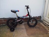 Scott kid's bike with stabiloisers