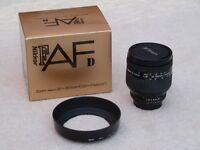 Nikon 24-120mm f3.5-5.6 Af IF D Lens with Nikon HB11 Lens Hood