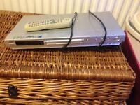 JVC DVD/CD player with remote