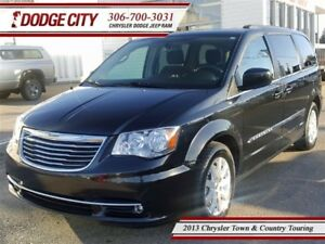 2013 Chrysler Town & Country Touring   FWD - Nav, Backup Cam, Uc