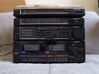 Memorex Stereo Cassette Player With Radio & Turntable