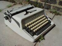 FREE DELIVERY Vintage Adler Gabriele 10 Typewriter Retro