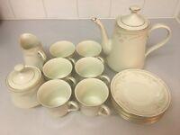 Budlet Fine China Tea Set - Ivory - 6 cups and saucers + 1 tea pot, milk jug and sugar bowl