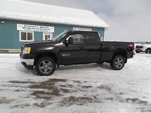 2011 GMC SIERRA 2500HD SLT,DIESEL,LEATHER,Z71,ONLY 130000 KM!!