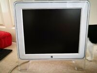 Apple Monitor 17""