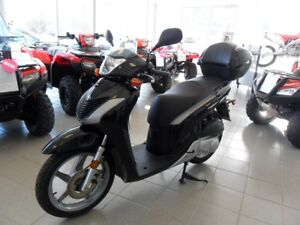 2010 Honda SH150I SCOOTER! RARE! EXCEPTIONAL CONDITION! BIG WHEE
