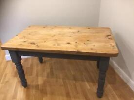 Wooden cottage shabby chic dining table