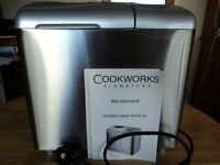 COOKWORKS SIGNATURE BREADMAKER - EXCELLENT CONDITION WITH MANUAL