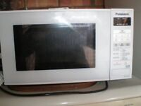 Panasonic Microwave oven . Excellent condition. 800 watts 20litre.