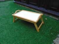 Bed table/tray