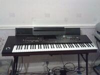 Korg pa4x 76note keyboard and Paas Speaker Bar.