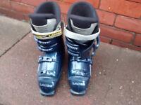 Lange Max4 ski boots