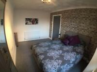 Professional House Share - Stoke Village, Move in from - £95/week plus deposit (£275) - 1 room left!