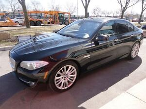 2011 BMW 550 i xDrive*NAV*CAMERA* CLEAN CARPROOF RECORDS