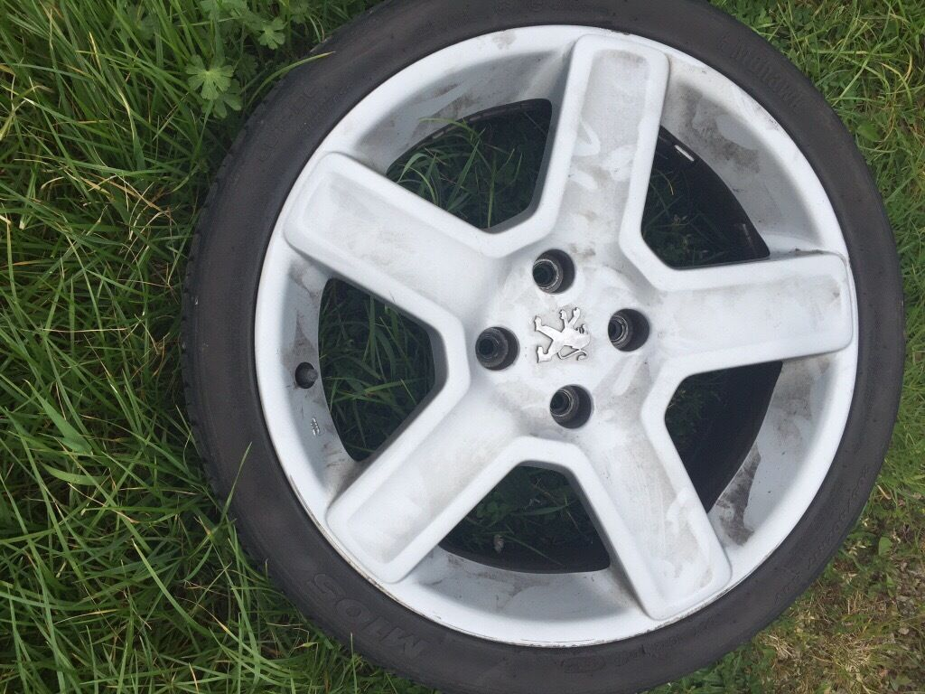 Peugeot vortex alloys in a amazing condition tyres too, 1 alloy with few scratches