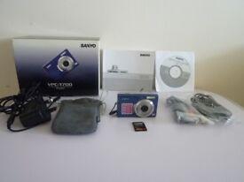 Sanyo VPC-T700 megapixel 7.0MP digital camera