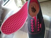 Ladies Van canvas shoes size 6
