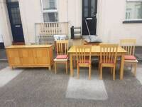 Loght Oak Table and chairs