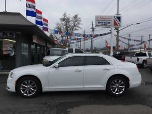 2016 Chrysler 300 ALL THE TOYS AND ALL WHEEL DRIVE !!