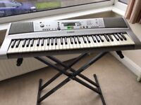 Yamaha PSR E303 keyboard and stand