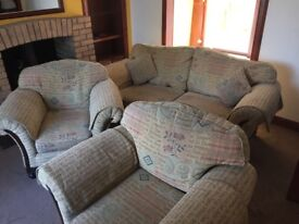 Suite-3 seater settee and 2 armchairs.