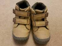 Boys brown size9 boots
