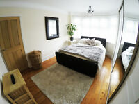 Luxurious King size bedroom to rent fully furnished in the Bournemouth area