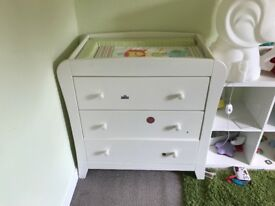 *FREE* Mamas and Papas Chest of Drawers with Changer on Top