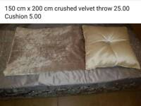 Crushes velvet Throw & pillow