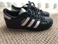Black Adidas Superstars Size 9