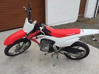 HONDA CRF125 2015 Dirtbike - Near New Condition - Low Hours