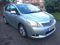 2011 (11) TOYOTA VERSO 2.2 T SPIRIT AUTOMATIC DIESEL SAT NAV VERY LOW MILEAGE 7 SEATER PAN/ROOF