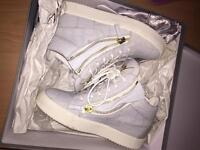 Real Giuseppe's size 5.5 woman's , grey and gold